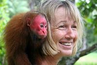Gudrun with immature Red Uakari
